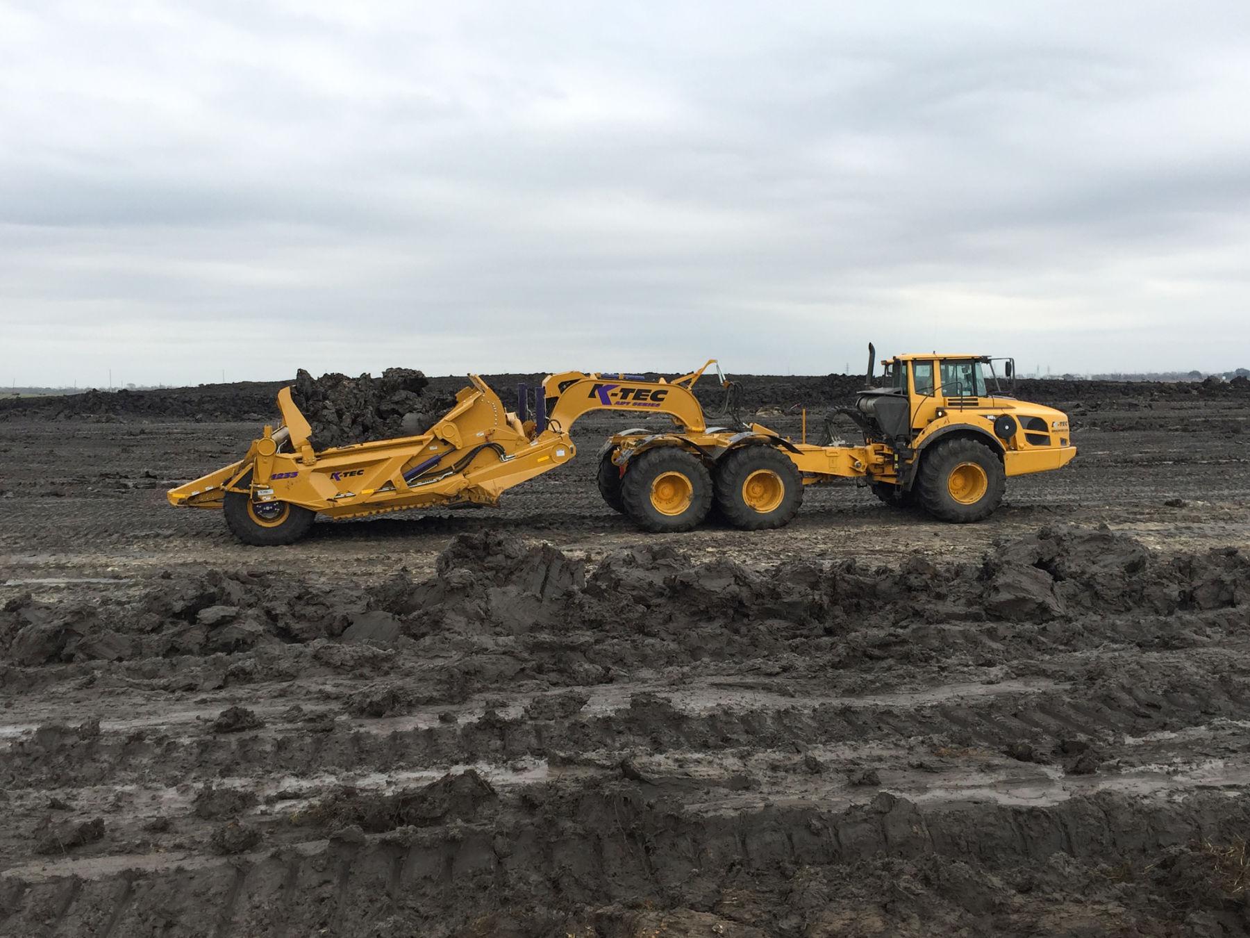 K-Tec 1233 ADT Loading Mud