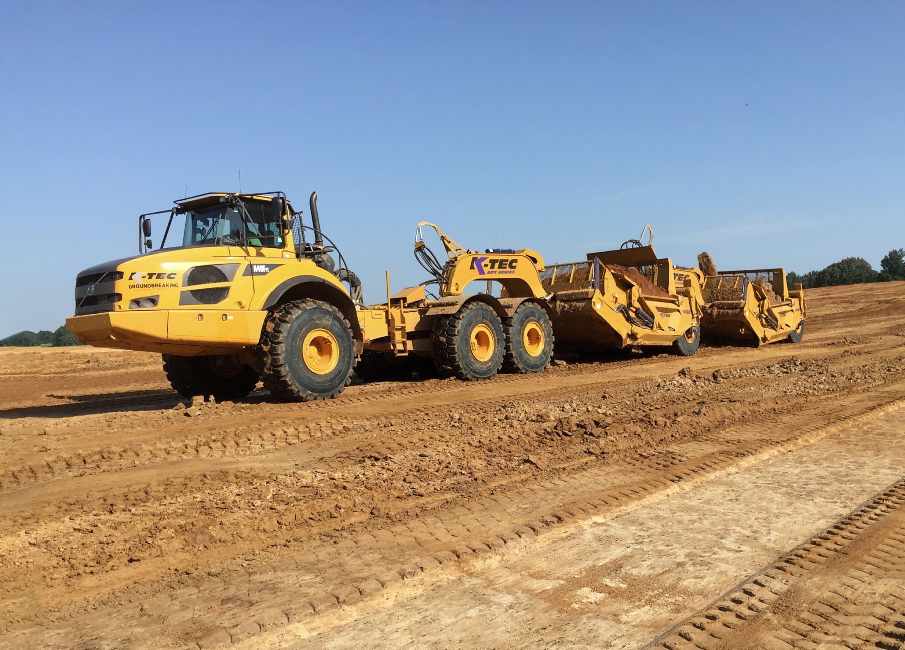 Volvo A40 Pulling 1233 ADT Train Clay USA Southern